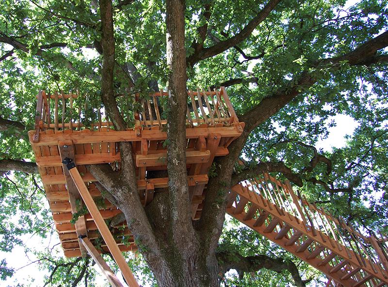 la terrasse perch e constructeur de cabane dans les arbres cabane r ves. Black Bedroom Furniture Sets. Home Design Ideas